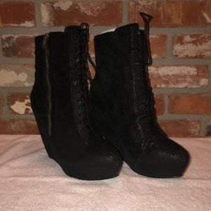 Elizabeth and James/ lace up wedge ankle boots